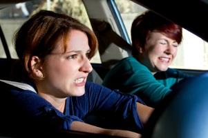 Häufig begründet ein Auffahrunfall wegen einem Schleudertrauma Schmerzensgeld.