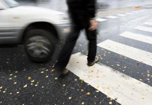 Bei einem Autounfall greift die Gefährdungshaftung, die Schmerzensgeld begründet.