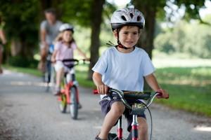 Kinder bis 7 Jahre müssen kein Schmerzensgeld zahlen, da sie für Schäden nicht verantwortlich sind.
