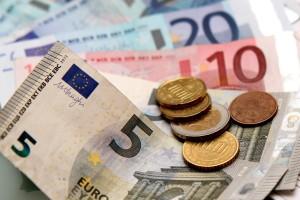 Nach beantragtem Schmerzensgeld sollte die Dauer der Auszahlung nicht unnötig hinausgezögert werden.
