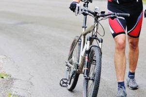 Aufgrund der hohen Verletzungsgefahr ist auch beim Fahrradunfall Schmerzensgeld keine Seltenheit.